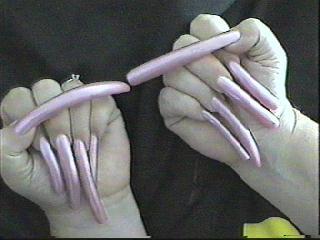 Динные страшные ногти на руках