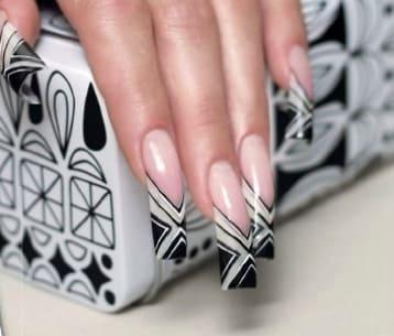 Фото черно-белого дизайна ногтей
