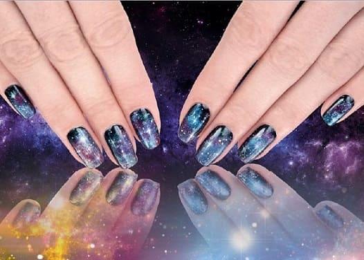 Дизайн натуральных ногтей со звездами