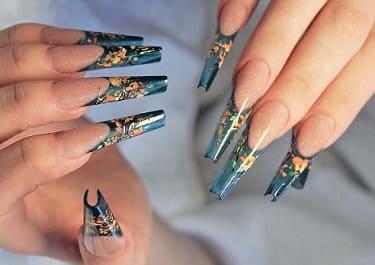 Ногти формы Монро