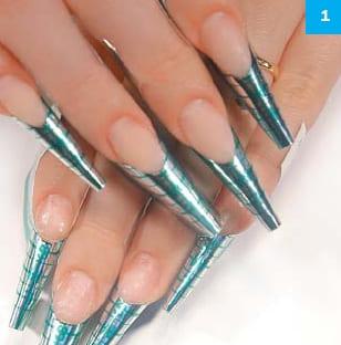Пример пошагового дизайна квадратных ногтей в греческом стиле