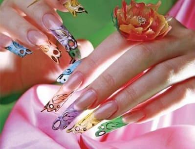 Необычный яркий дизайн ногтей к празднику