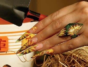 Дизайн ногтей стилет - подсолнухи