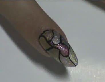 Известный бренд лака для ногтей