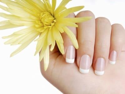 Вредно ли наращивание ногтей при беременности