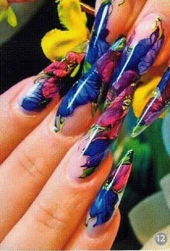 Акварельный дизайн ногтей - пример