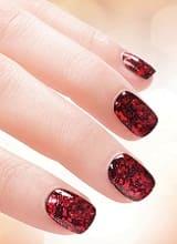 Красный и черный лак для ногтей
